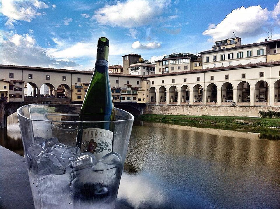 signorvino wine on the ponte vecchio florence Italy