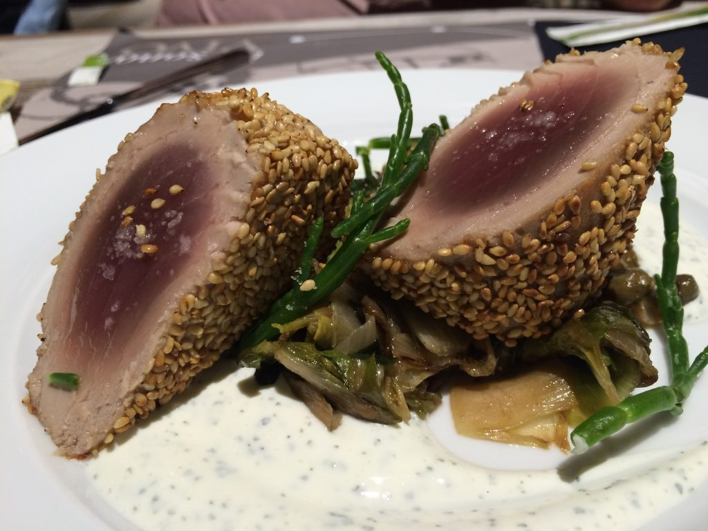 love sesame seeds and all the flavors contrasted here